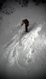 Abfahrt im Steilbereich