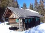 Egger Jagdhütte, sehr sonniger Jausenplatz