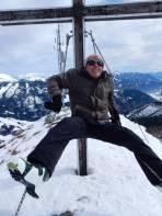 Führer aus Gefälligkeit relaxt am Gipfel