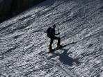 Skianstieg in der Gipfelrinne