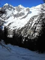 Nordseitige Abfahrt im Vordergrund, Festkogel im Hintergrund