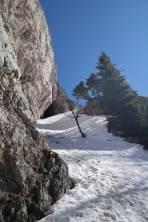 Schneeband durch den unteren Felsriegel