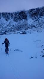 Beim morgendlichen Anmarsch kurz vor dem Eisfall - nach rechts führt der Sommerweg