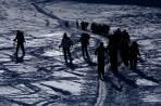 Begegnung der anderen Art: Slowenischer Massenandrang unterm Gipfelhang