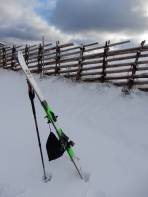 Infolge Schneemangel musste ich meine Ski im Auto lassen.
