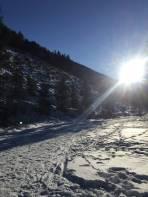 Bei den ersten Sonnenstrahlen beim Starthaus der Rodel