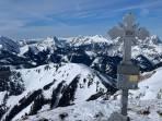 Wildfeld mit Blick auf den 2. Gipfel