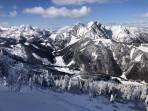 unten die Gemeindealm mit den Langlaufloipen des Alpinzentrums Eisenerzer Ramsau