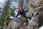 Zugang zur zweiten Waldsteilstufe über ein kurzes Felswandl