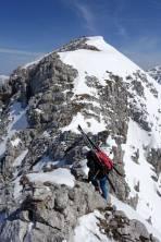 ... der (aus dem Loigistal) gut-besuchte Gipfel ist nicht mehr weit