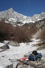 Schneebeginn im Bachbett auf ca. 950 m